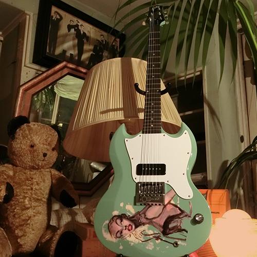 『気分を出して』ギター先行受注会 @金子國義展